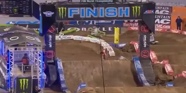 AMAスーパークロス2021第8戦オーランド2レース結果とAMAモトクロス決勝ハイライト動画